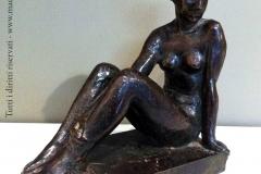 Nicola D'Antino. Donna Seduta | Bronzo. 23 cm