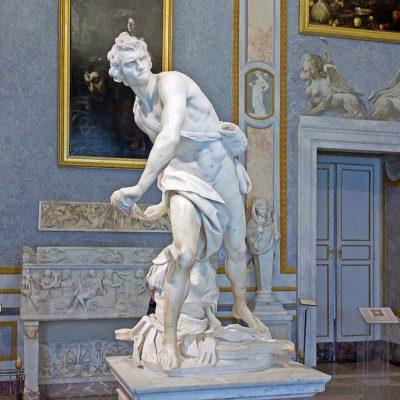 Gian Lorenzo Bernini. David, 1623 – 1624. Scultura in marmo. Galleria Borghese, Roma
