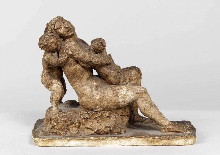 Attilio Selva. Bozzetto (Donna con bambino), 1922 ca. - Tecnica: Scultura in Gesso Patinato, 24 x 63 x 7 cm